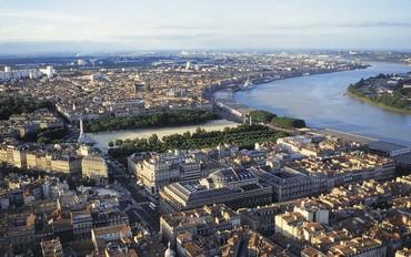 Garonne ve Dordogne Nehirlerinde Şatolar ve Şarap Tadımı