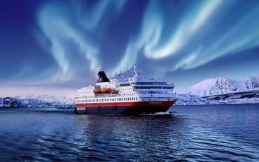 Hurtigrutten Keşif Gemisiyle KuzeyIşıkları