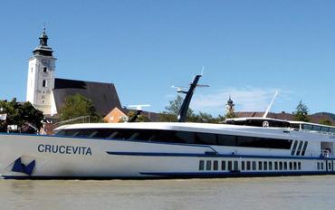 Crucevita ile Ren Nehrinde Noel Pazarları
