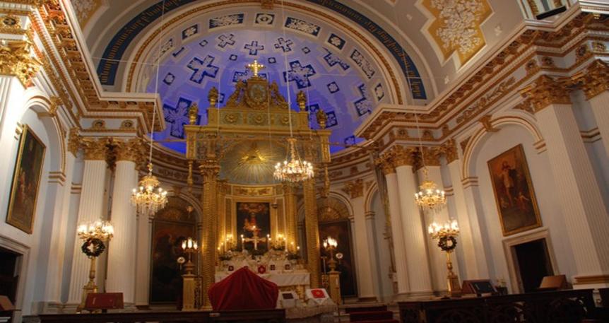Demir Kilise'nin Ağır Yolculuğu & İki Sıradışı Mimari Eser