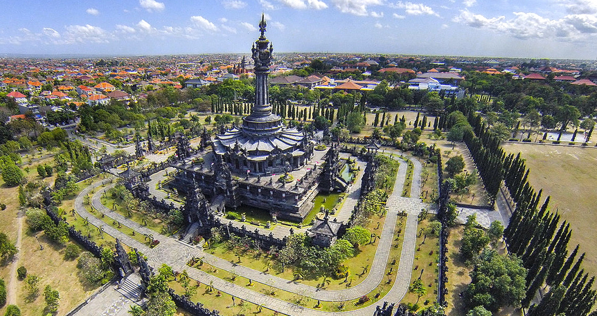 Harikalar Diyarı Bali'de Deniz, Ubud'da Kültür