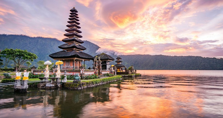Kuala Lumpur – Bali - Singapur - Cakarta